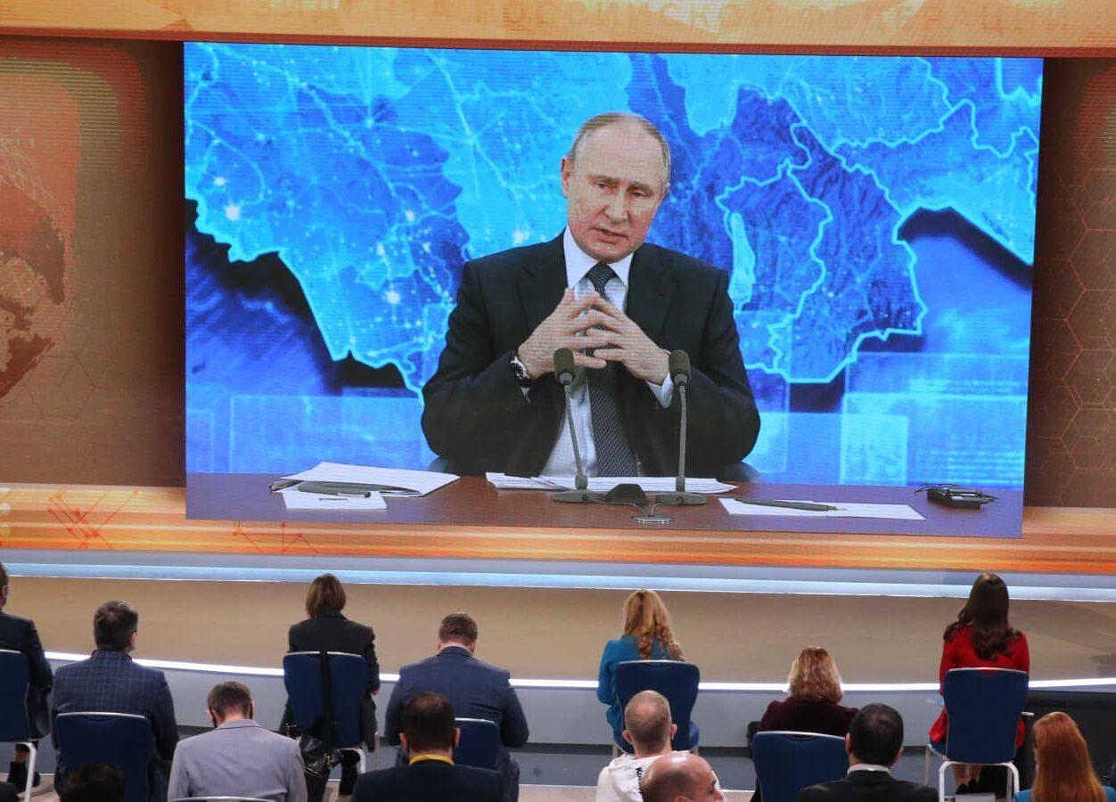 Putin diz que ainda não tomou vacina