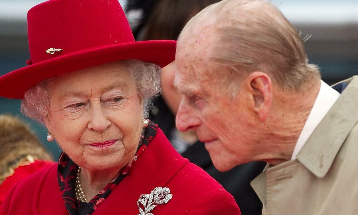 Rainha Elizabeth e Príncipe Philip serão vacinados