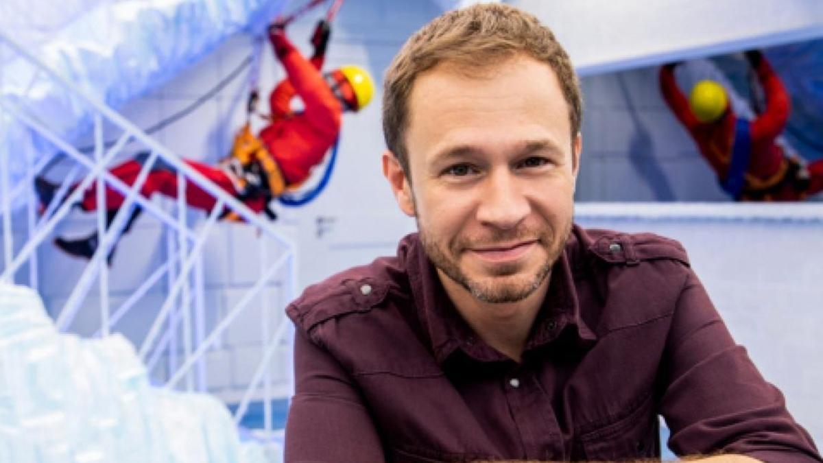 Na imagem o apresentador do BBB Tiago Leifert
