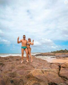 Na imagem o cantor Zé Neto e esposa, Natália Toscano