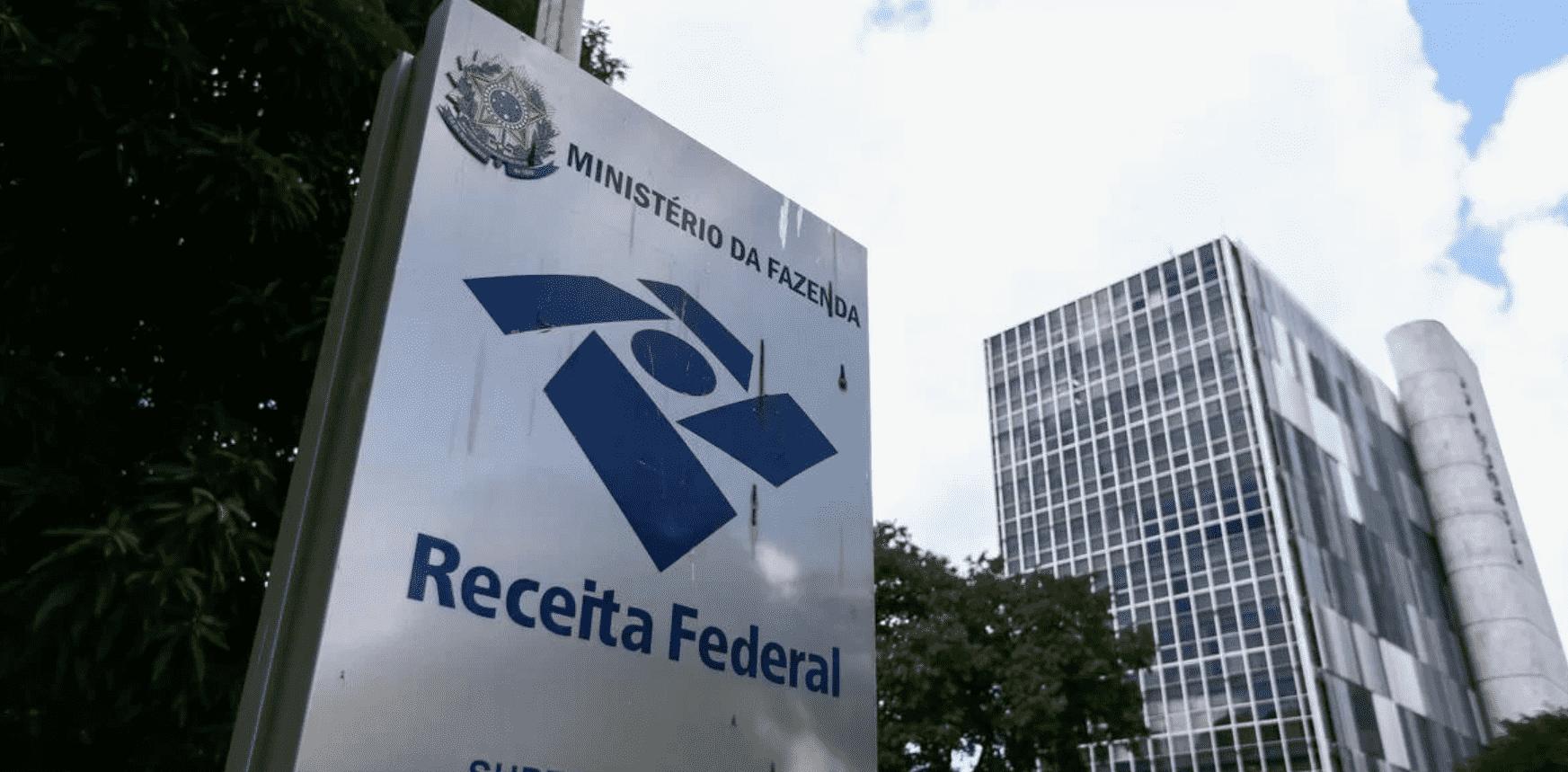 Placa da receita federal