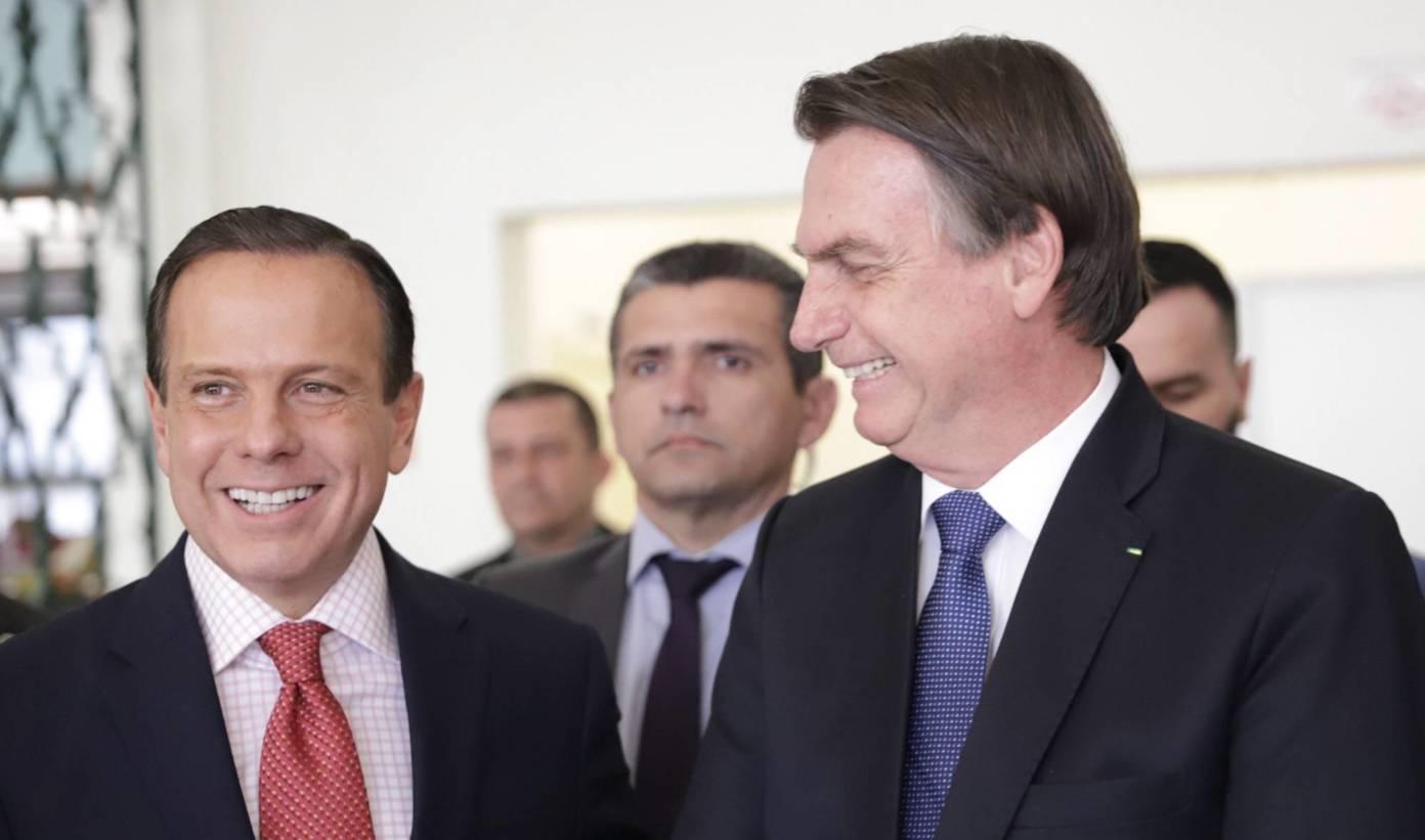 Bolsonaro diz ser capaz de votar em Lula, mas não em Dória