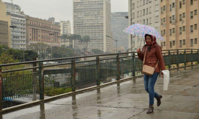 Previsão do Tempo: Natal será de chuva nas principais capitais do país