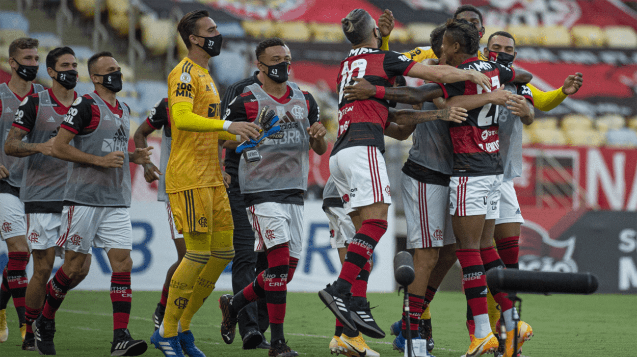 Jogadores do Flamengo comemoram gol contra o Bahia