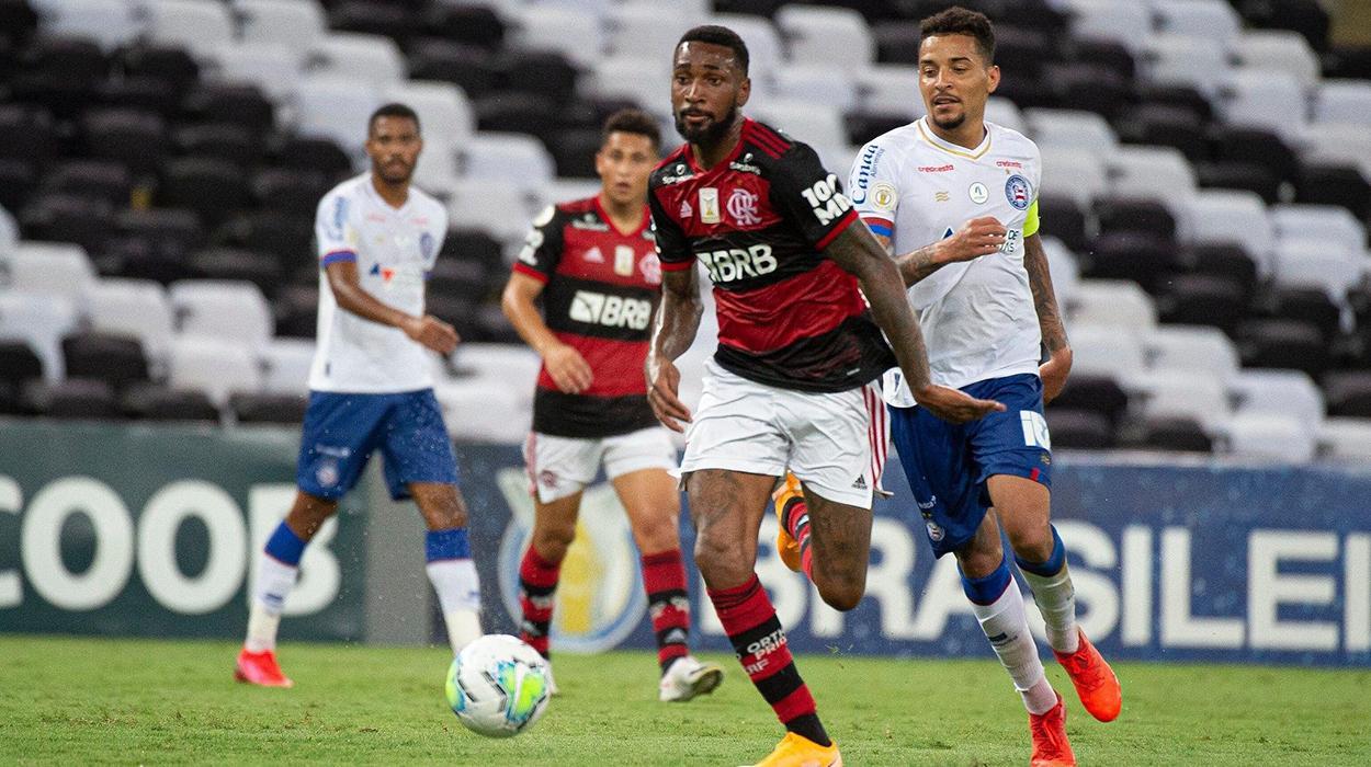 Gerson, do Flamengo, em ação contra o Bahia