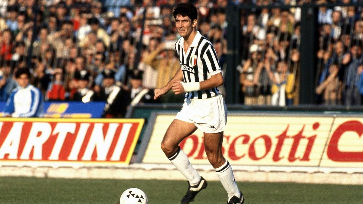 Paolo Rossi foi ídolo na Juventus, sendo campões de duas Série A