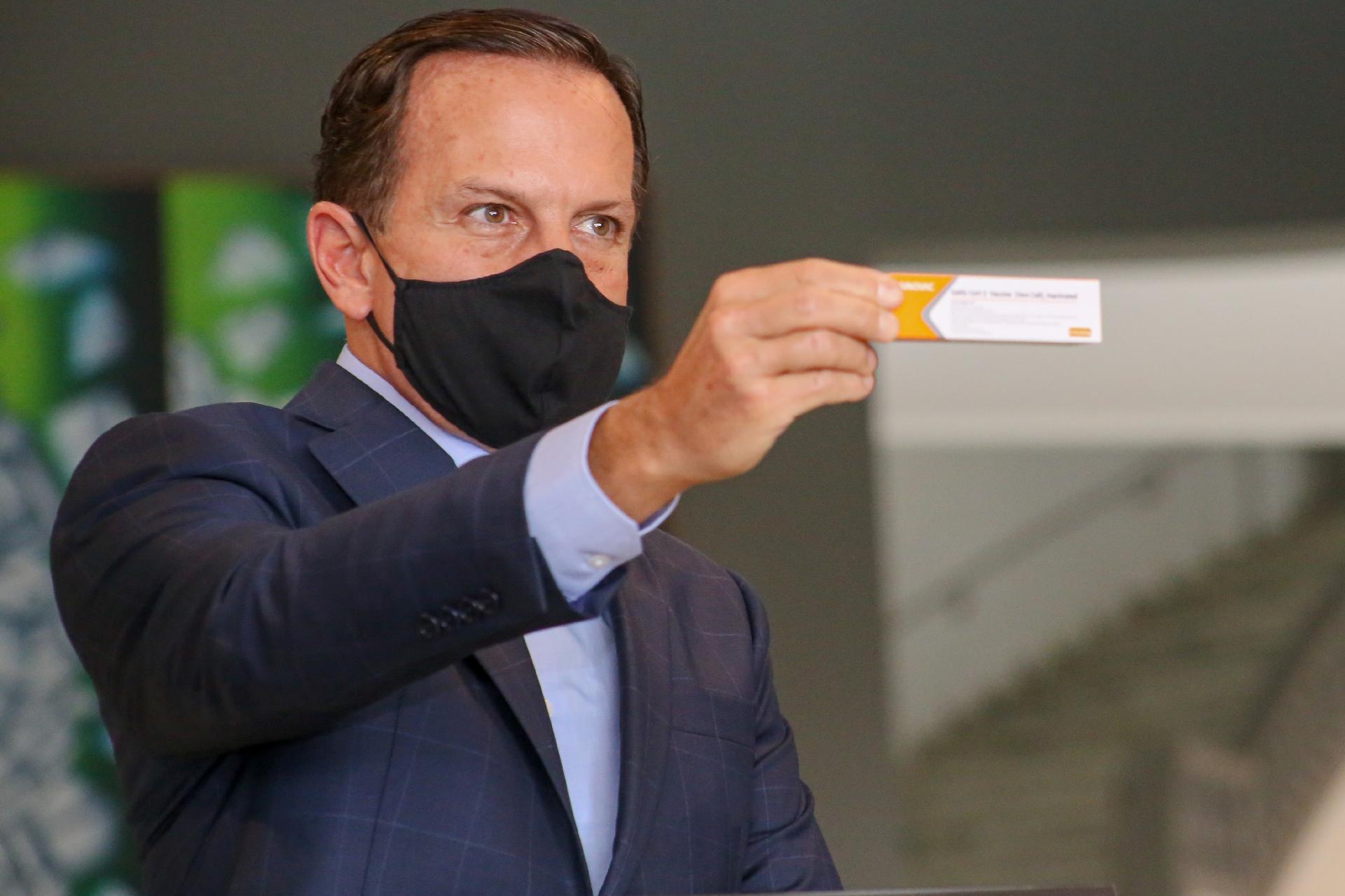 Vacina contra a Covid-19: governo de SP que registro definitivo da Anvisa