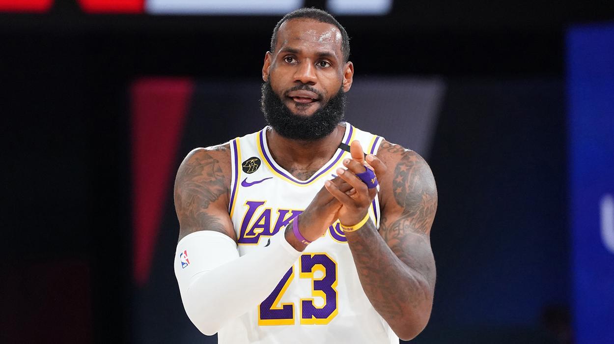 LeBron James, dos Lakers