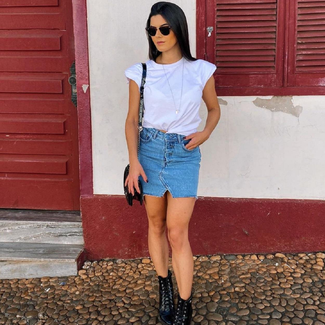 Muscle tee com jeans