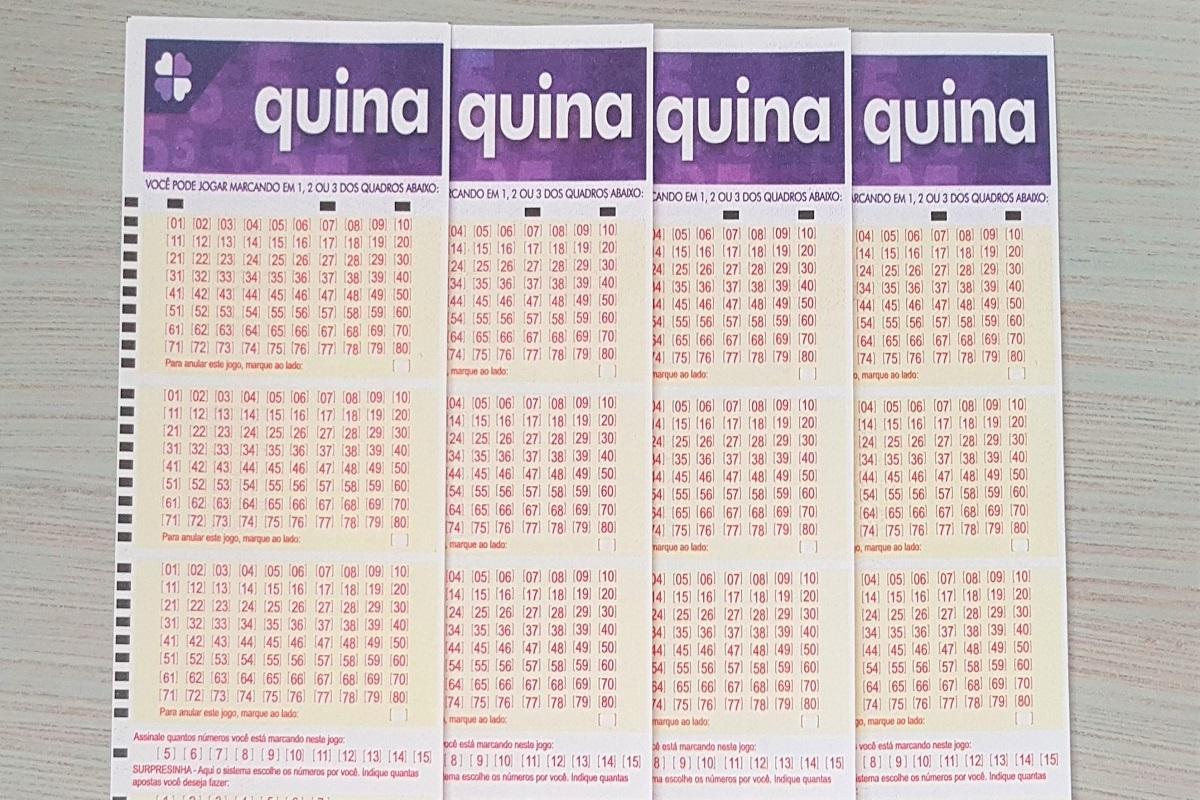 Resultado da Quina 5462 - A imagem mostra quatro volantes da Quina