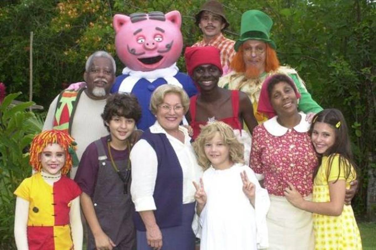 Imagem do elenco de Sítio do Pica-Pau Amarelo de 2001