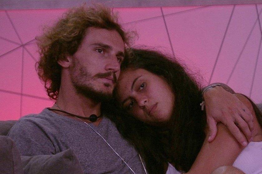 Na imagem Alan e Hana Khalil no BBB 19