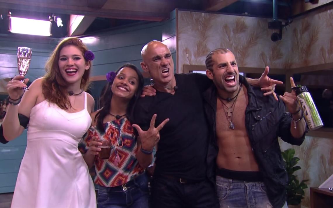 Na imagem do BBB 18 Ana Clara, Gleici, Kaysar e Papito