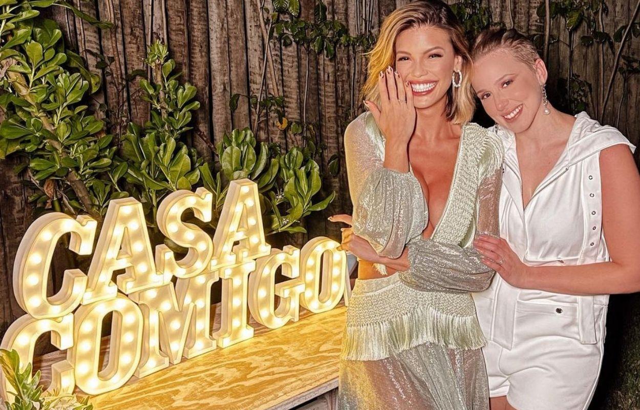 Imagem mostra noivado de Vitória Strada e Marcella rica