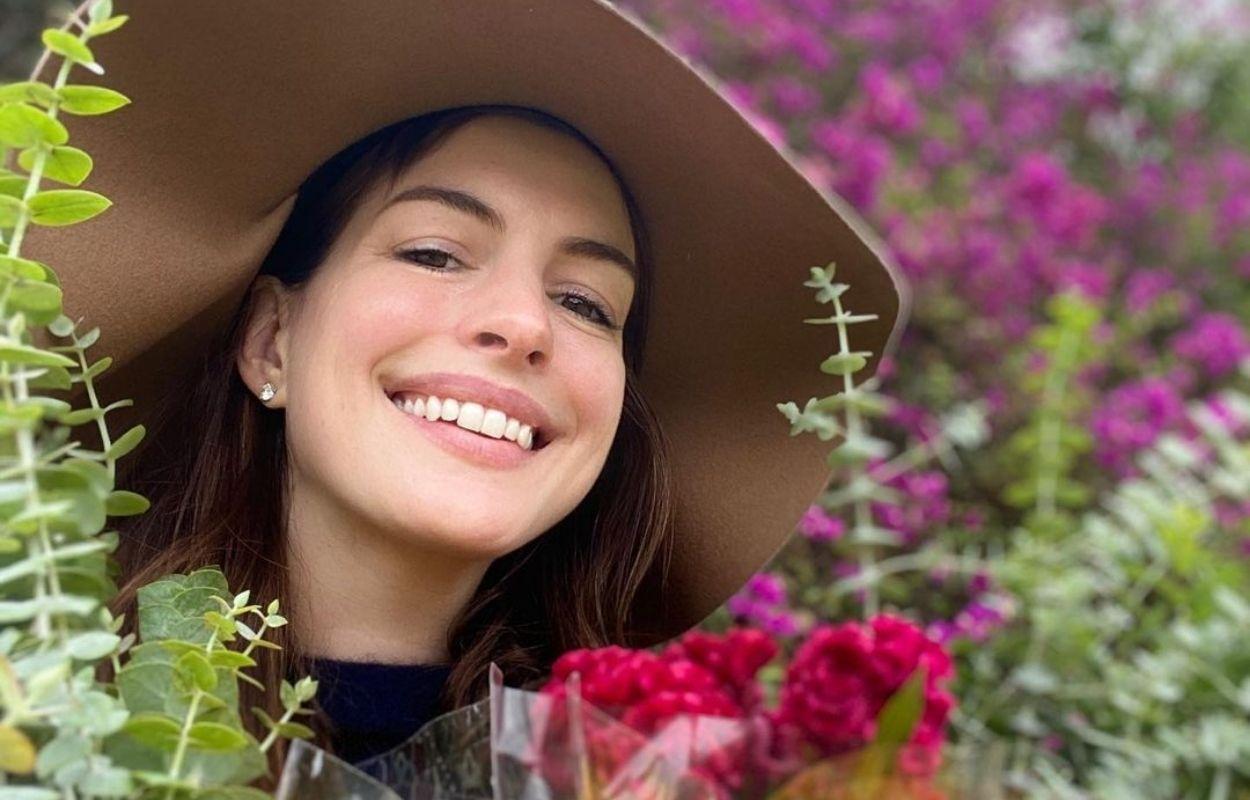 Imagem mostra rosto de Anne Hathaway