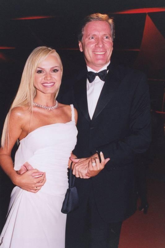 Na imagem Eliana e Roberto Justus - casais famosos