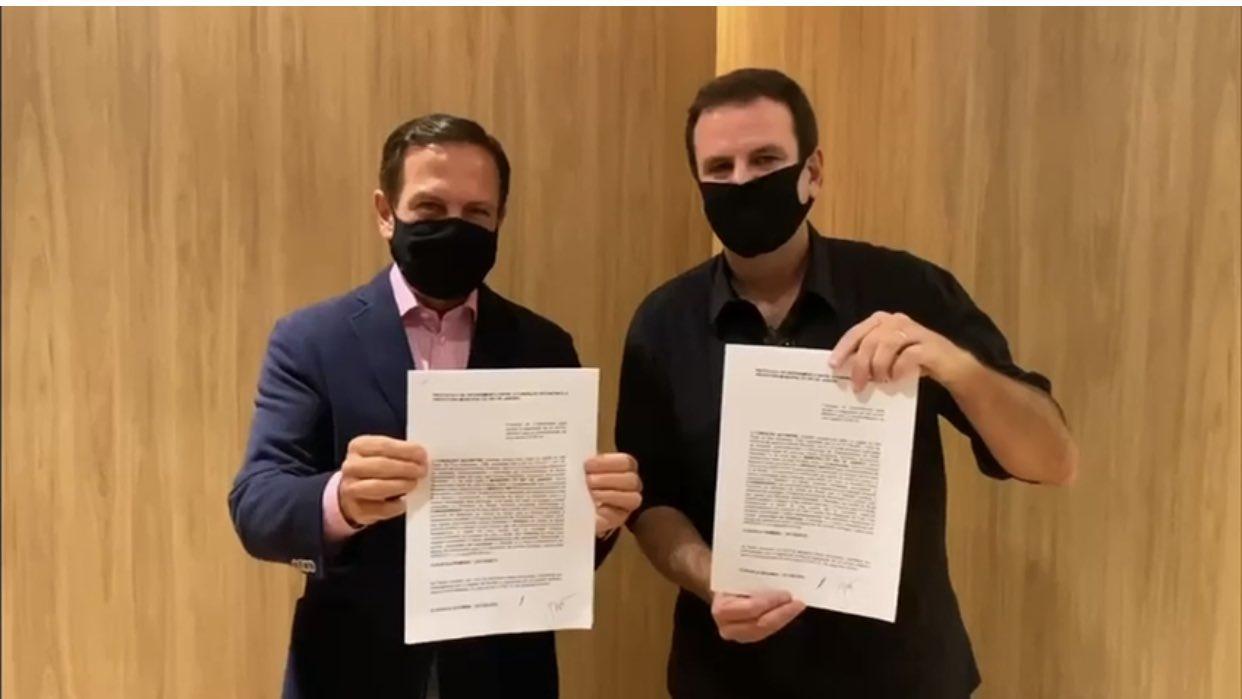 João Doria e Eduardo Paes discutem pela vacina, diz colunista