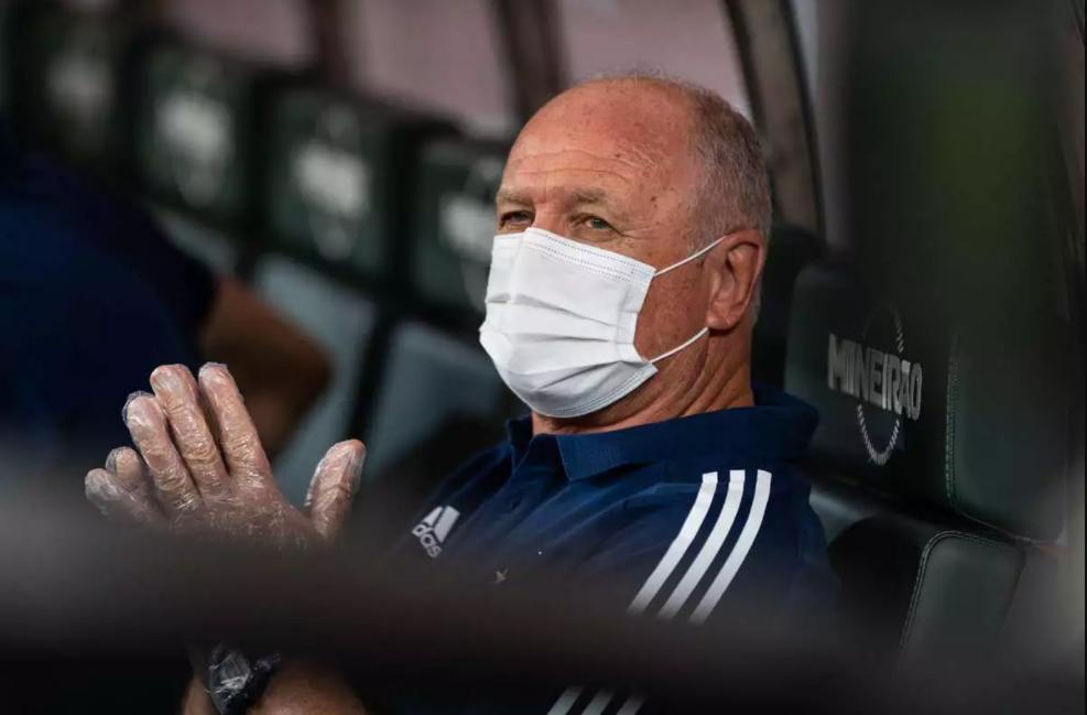 Atual treinador do Cruzeiro, Felipão tem futuro incerto no clube para próxima temporada