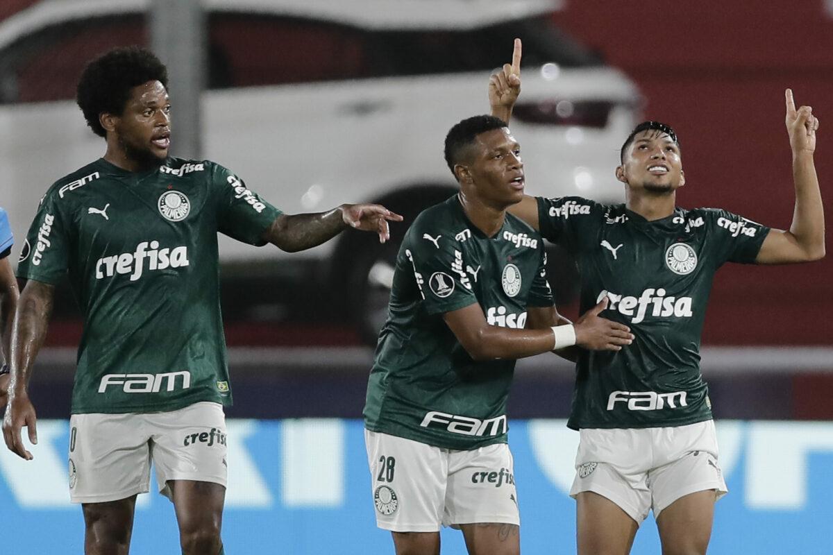 Palmeiras vence River Plate e segue invicto na Libertadores
