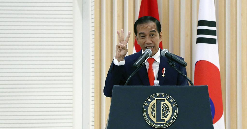 Covid-19: Presidente da Indonésia é o primeiro a se vacinar com CoronaVac no país
