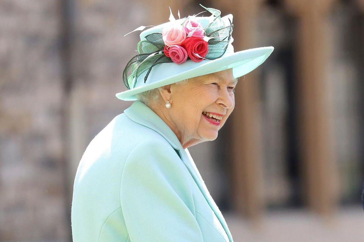 Rainha Elizabeth II recebe vacina