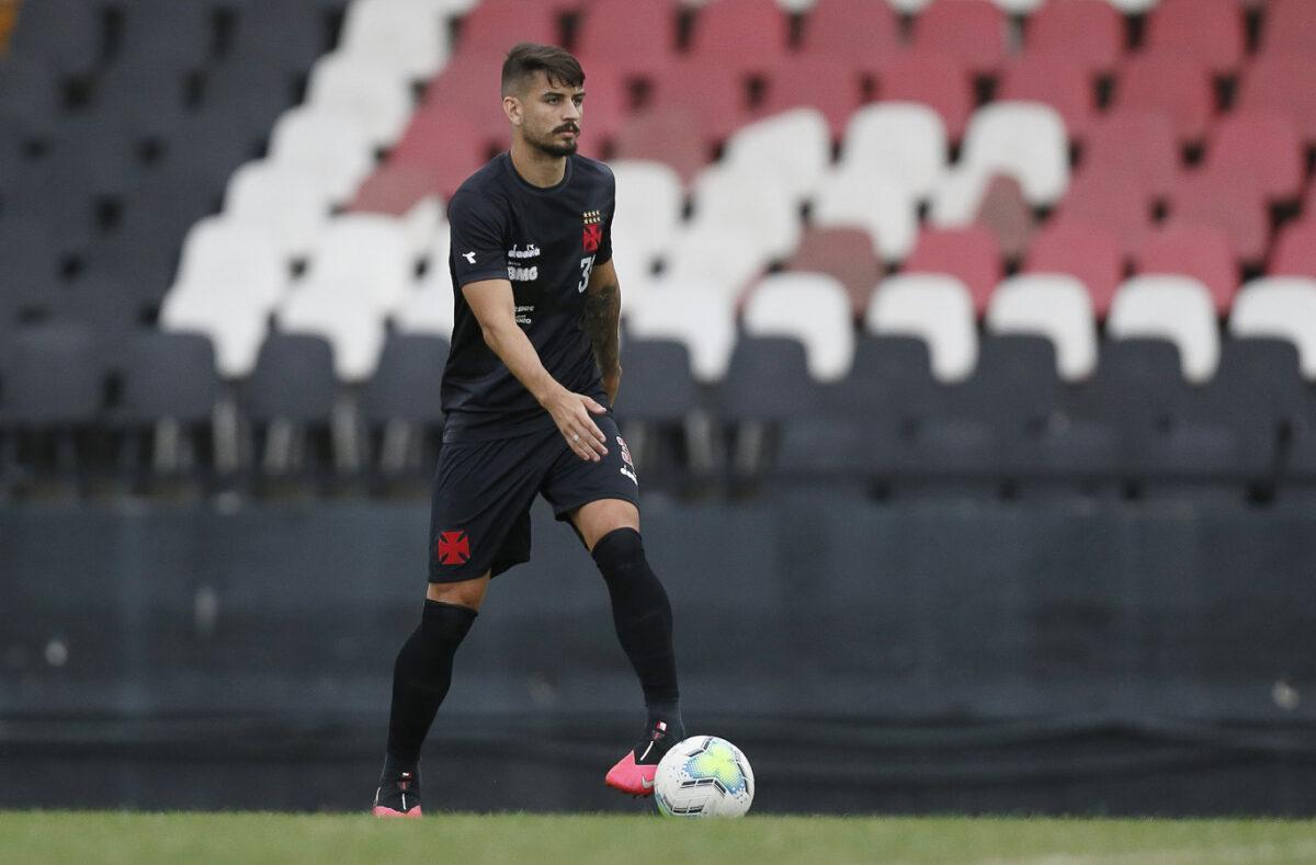 Após cirurgia, Ricardo Graça deve voltar a treinar no Vasco daqui 15 dias