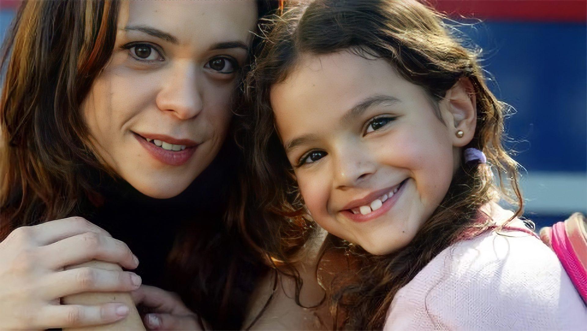 Imagem mostra Vannessa Gerbelli e Bruna Marquezine em Mulheres Apaixonadas