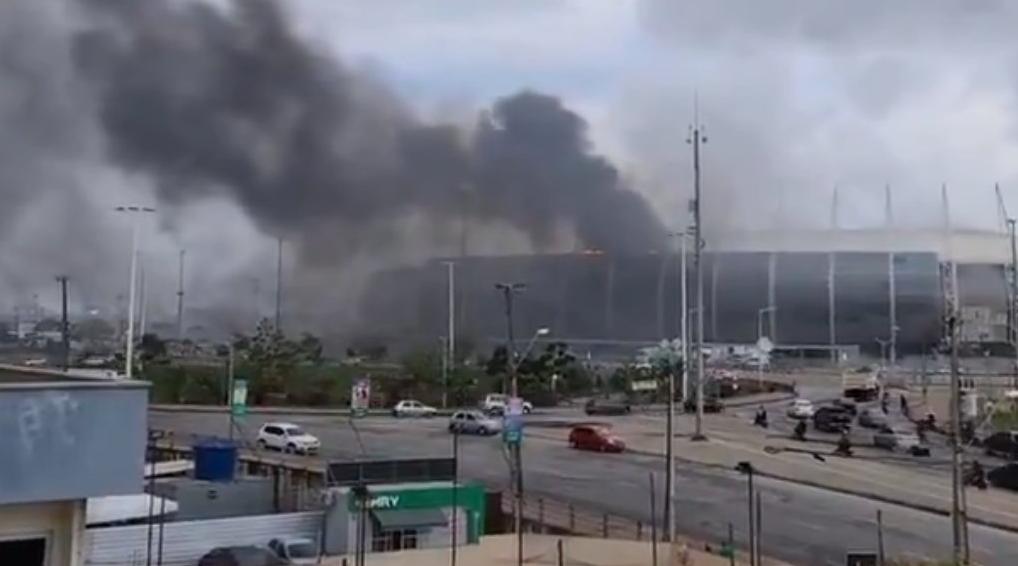 Cabine da Arena Castelão pega fogo neste sábado