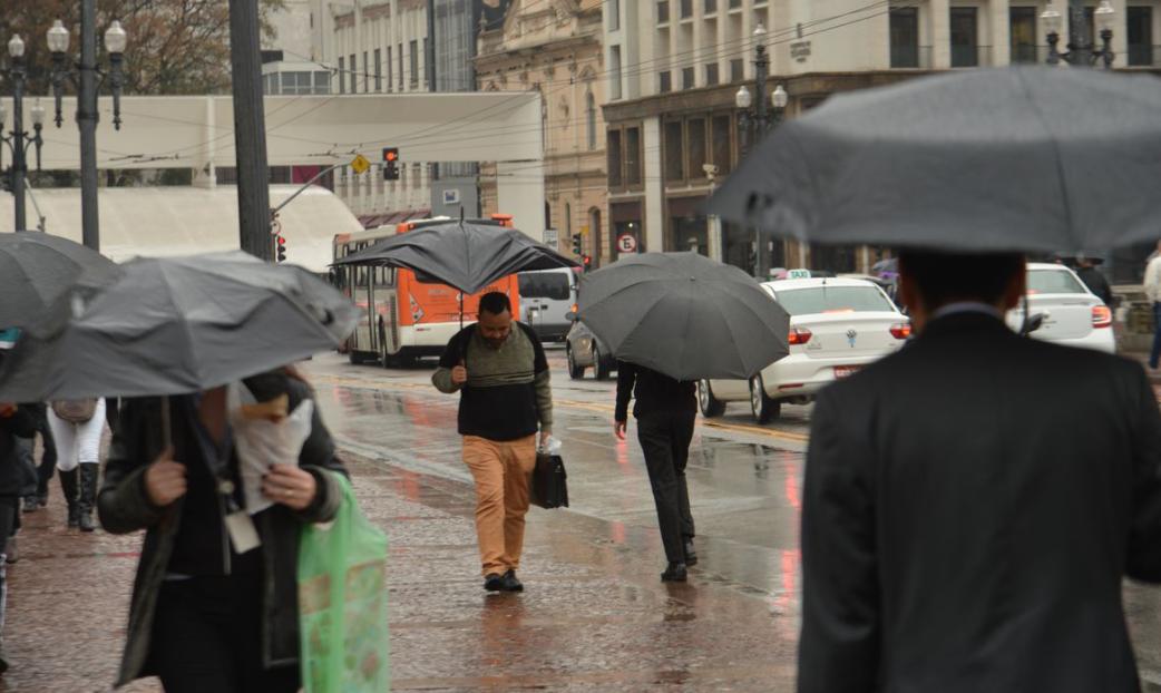 Previsão do tempo SP indica temporais e tempestades na semana