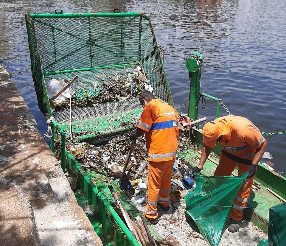 Operação retira uma tonelada de lixo por dia próximo ao Museu do Amanhã