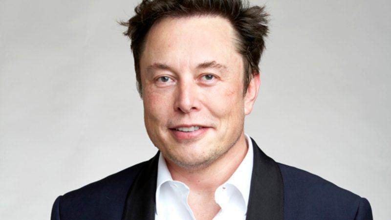 Imagem mostra o empresário bilionário Elon Musk em matéria sobre sua família