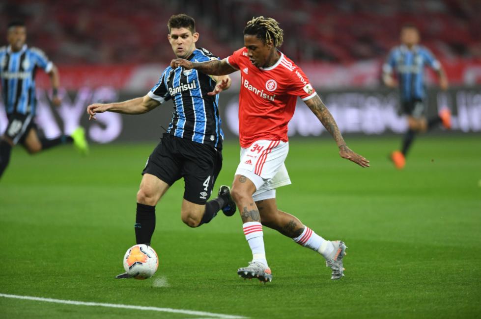Nesta temporada, equipes se enfrentaram na fase de grupos da Libertadores