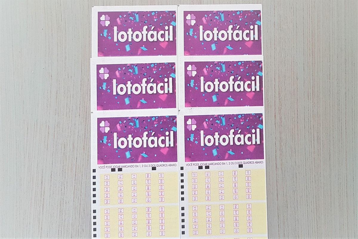 resultado da lotofácil 2129 A imagem mostra volantes da Lotofácil