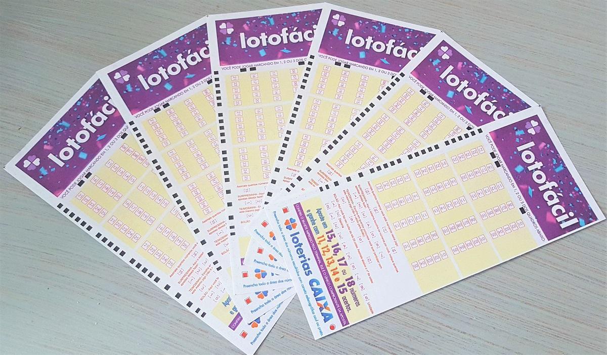 resultado da lotofácil A imagem mostra um leque de volantes da Lotofácil