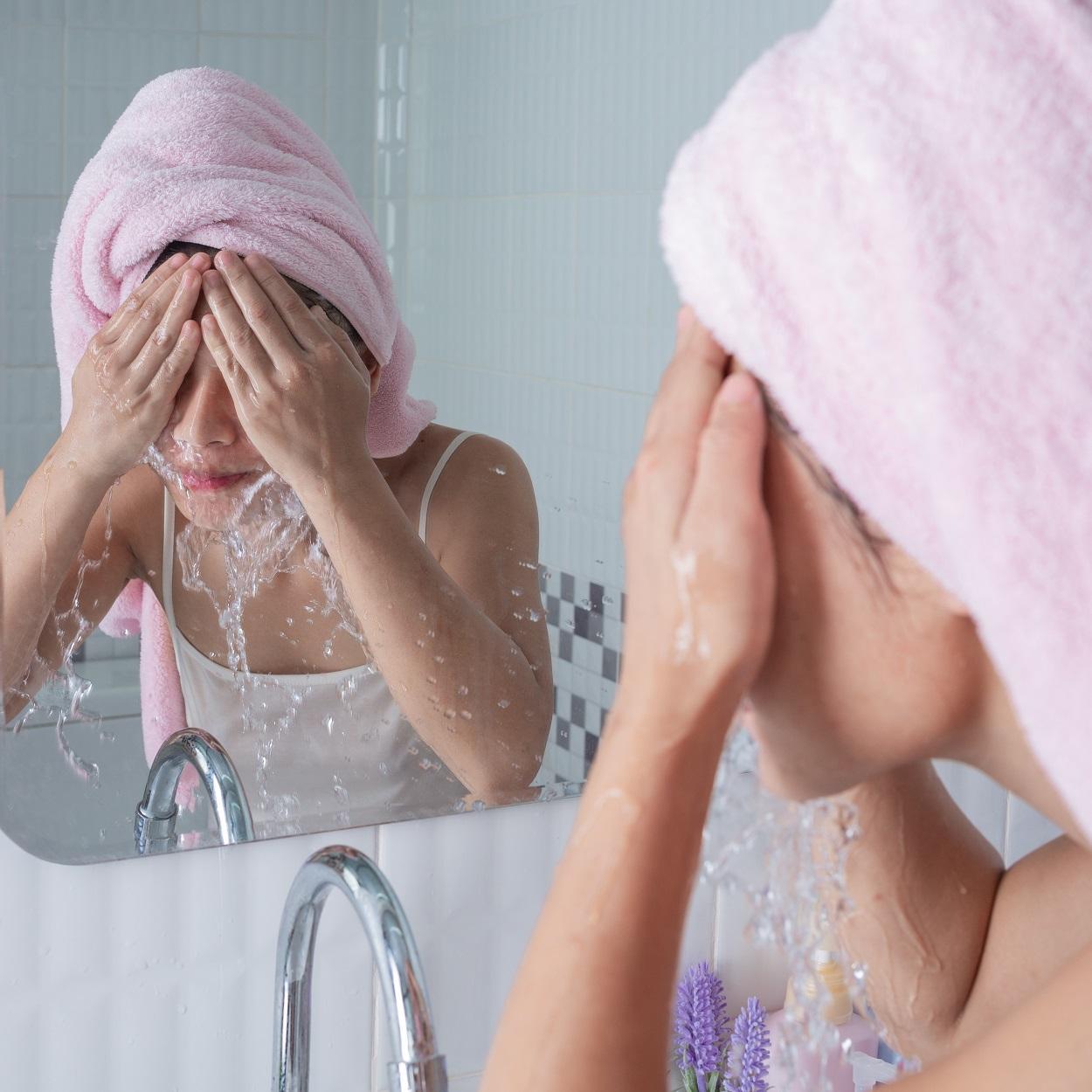 Limpeza da pele com poros abertos