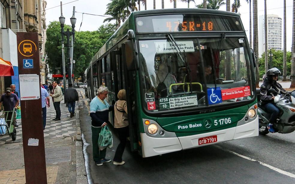 transporte gratuito idosos