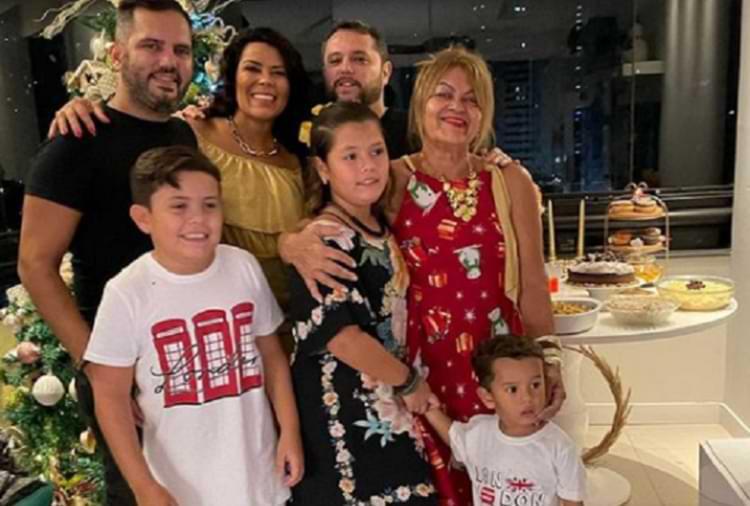 Tati Pink e família