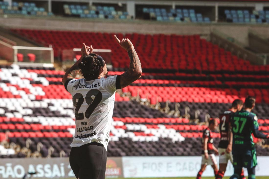 Ceará venceu Flamengo por 2 a 0, no Maracanã