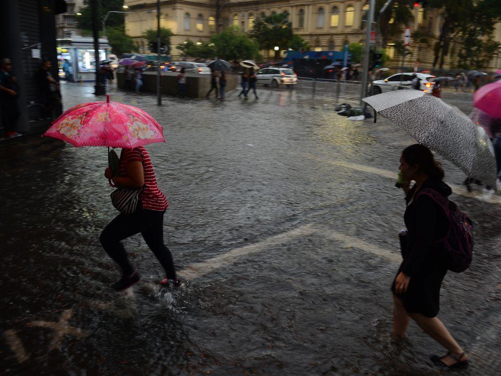 Imagem mostra chuva em São Paulo