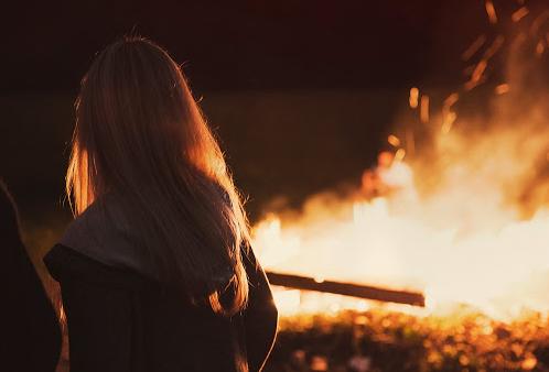 fogueira dia dos namorados na frança