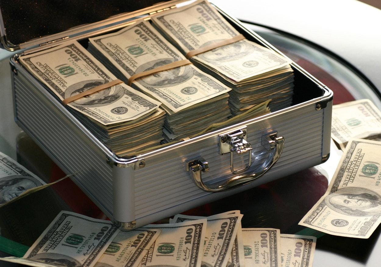 Conheça os bilionários dos EUA que mais faturaram no último ano