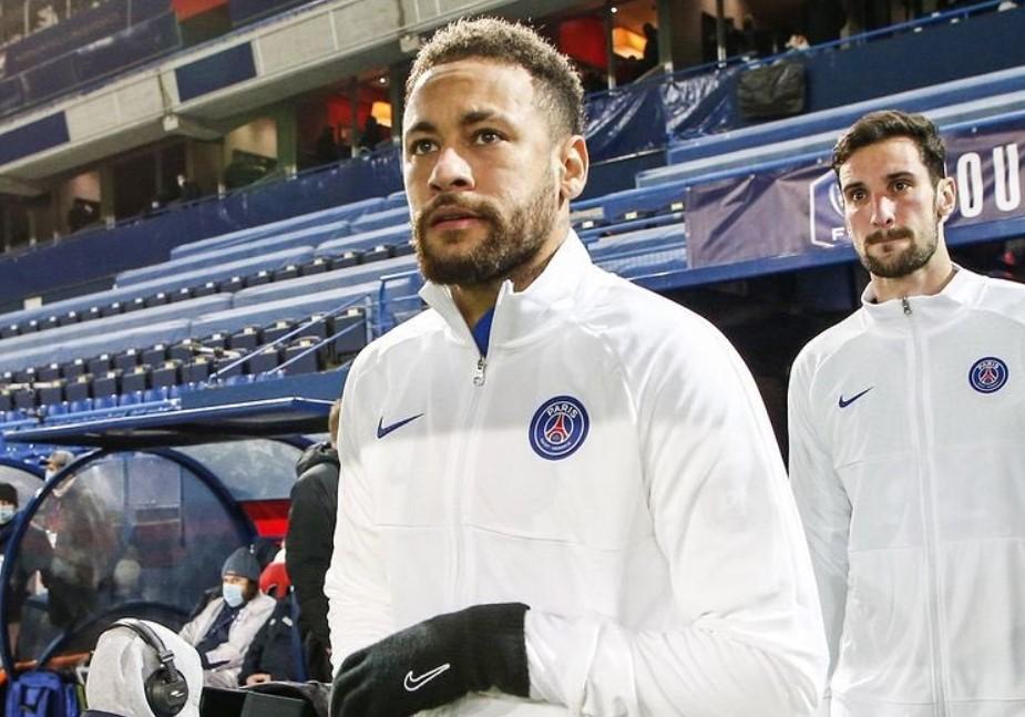 Neymar sofre lesão