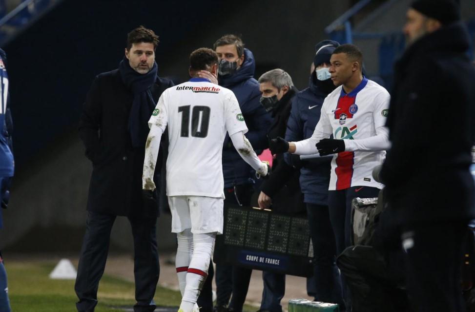 Neymar se machuca Champions League
