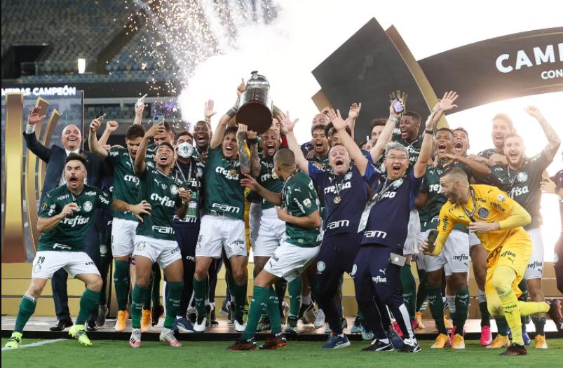 Verdão conquistou seu segundo título de Libertadores e já embarcou para o Catar