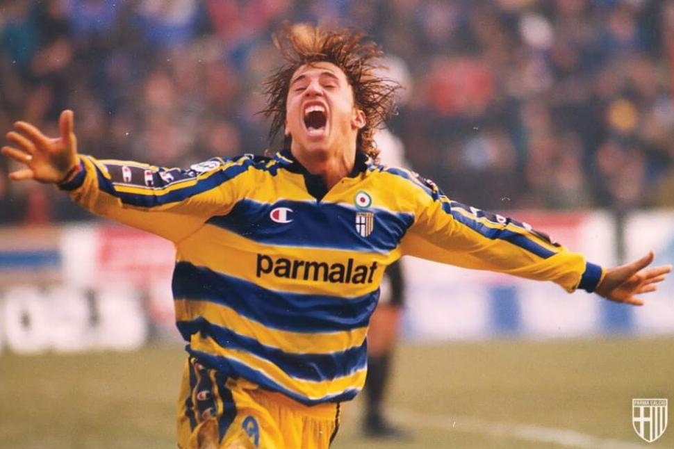 Crespo atuou pelo Parma em duas ocasiões