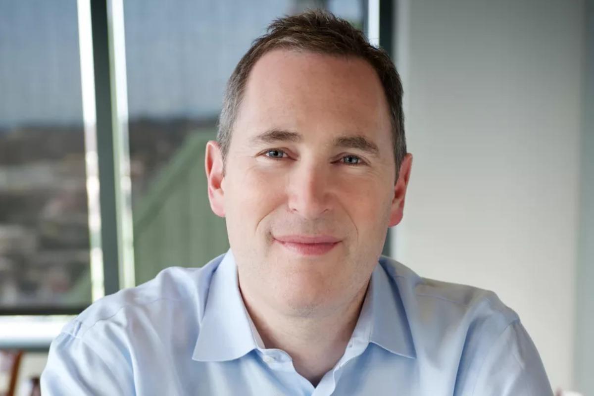 Imagem mostra Andy Jassy, o próximo CEO da Amazon