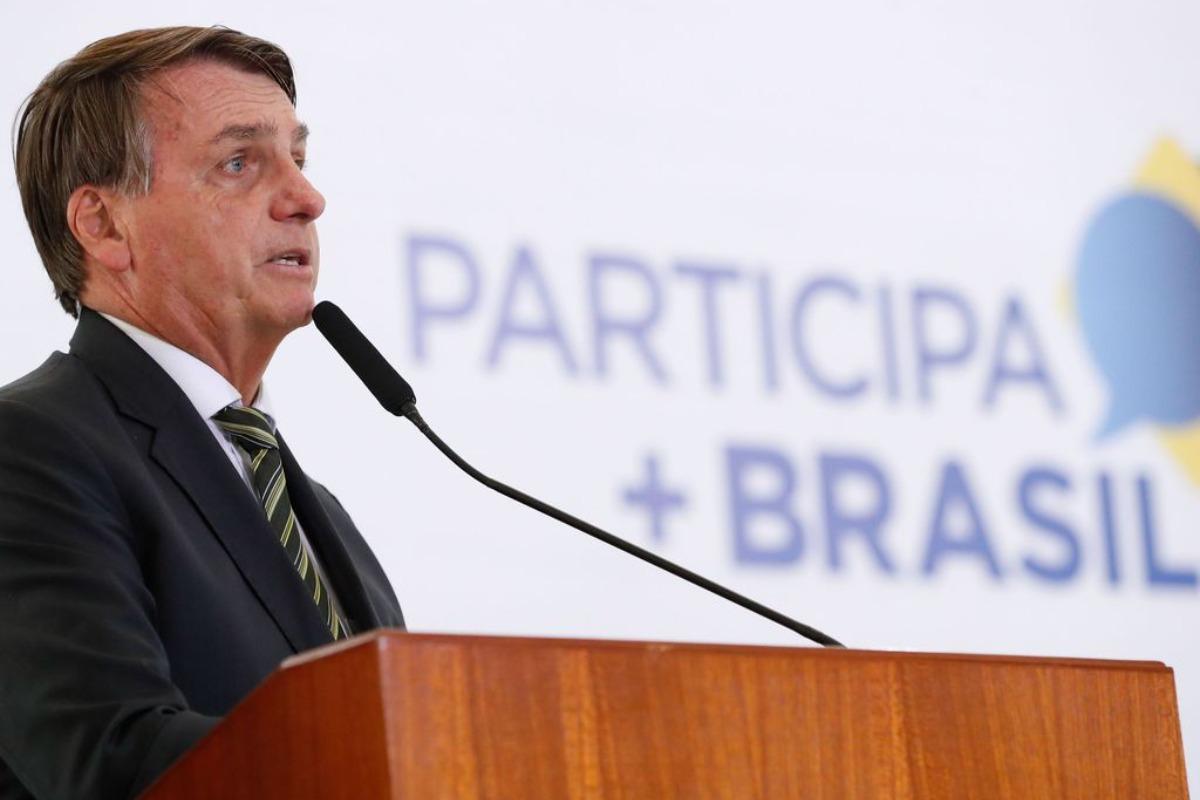 Imagem mostra presidente Jair Bolsonaro. Declaração do presidente altera ações da Petrobras