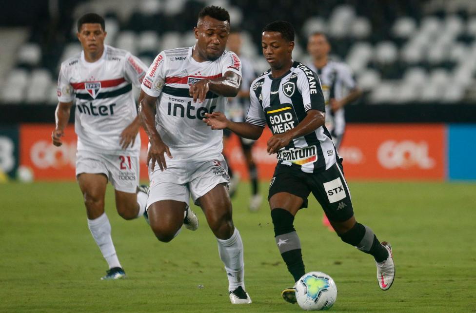 São Paulo perdeu para o já rebaixado Botafogo, na segunda-feira
