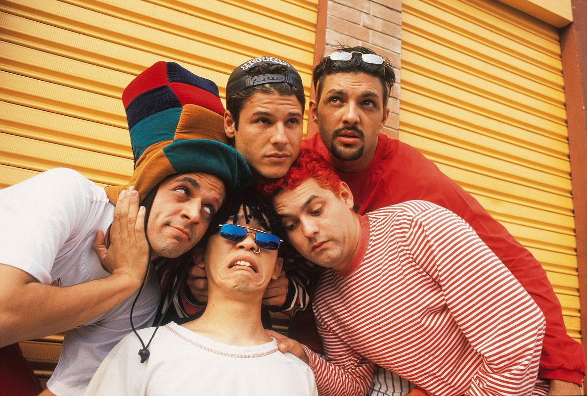 Imagem mostra integrantes do grupo Mamonas Assassinas