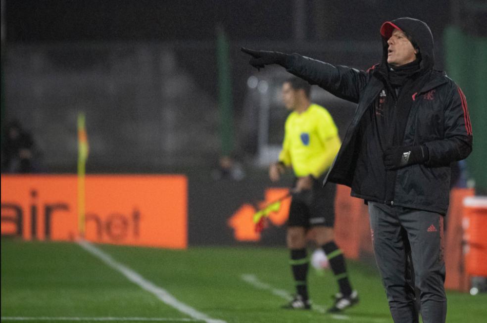 Renato soube mexer no Flamengo na goleada sobre o Defensa, analisa Mauro Cezar